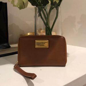Marc by Marc Jacobs zip up wristlet